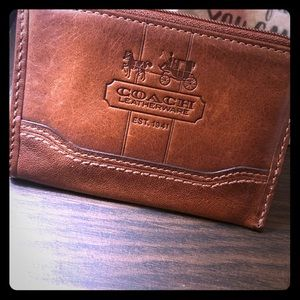 Coach leather card holder with zipper, brown